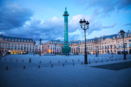 paris-place-vendome-burgundia-tour